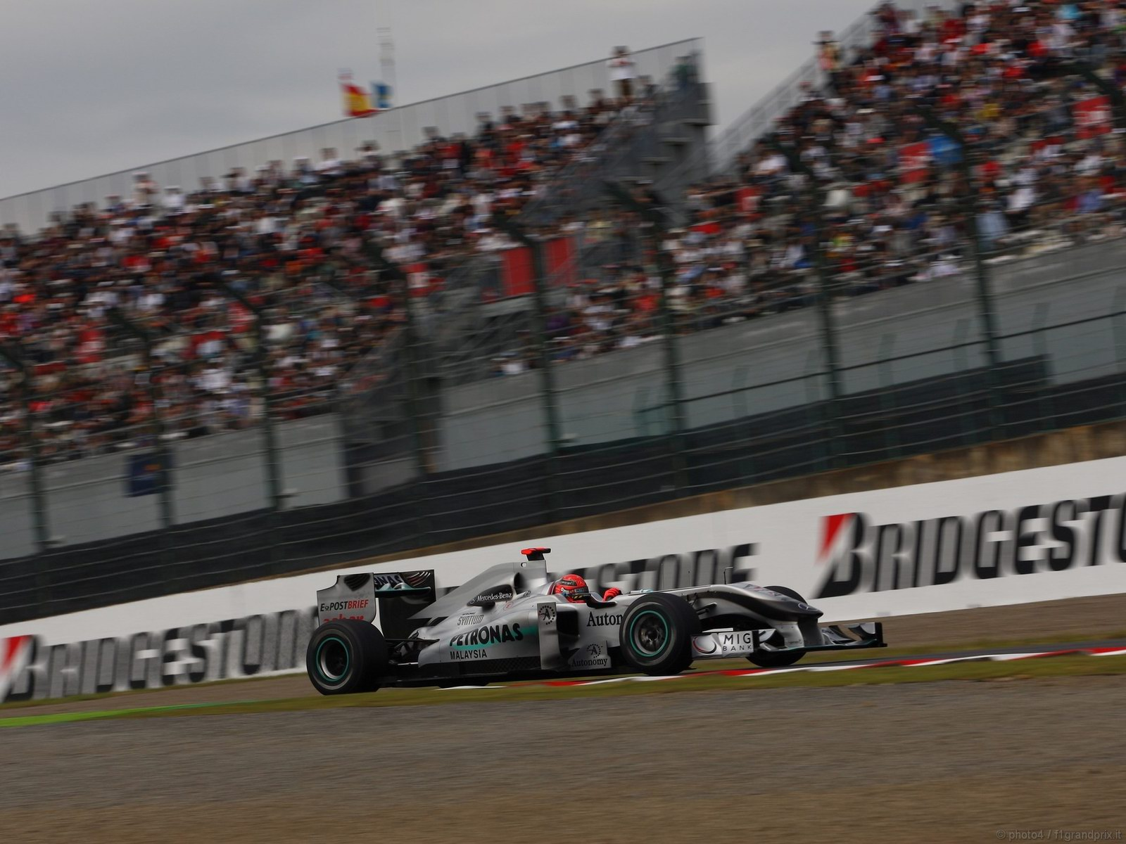 pojazdy - formula1 - gp_giappone_wallpapers_000029