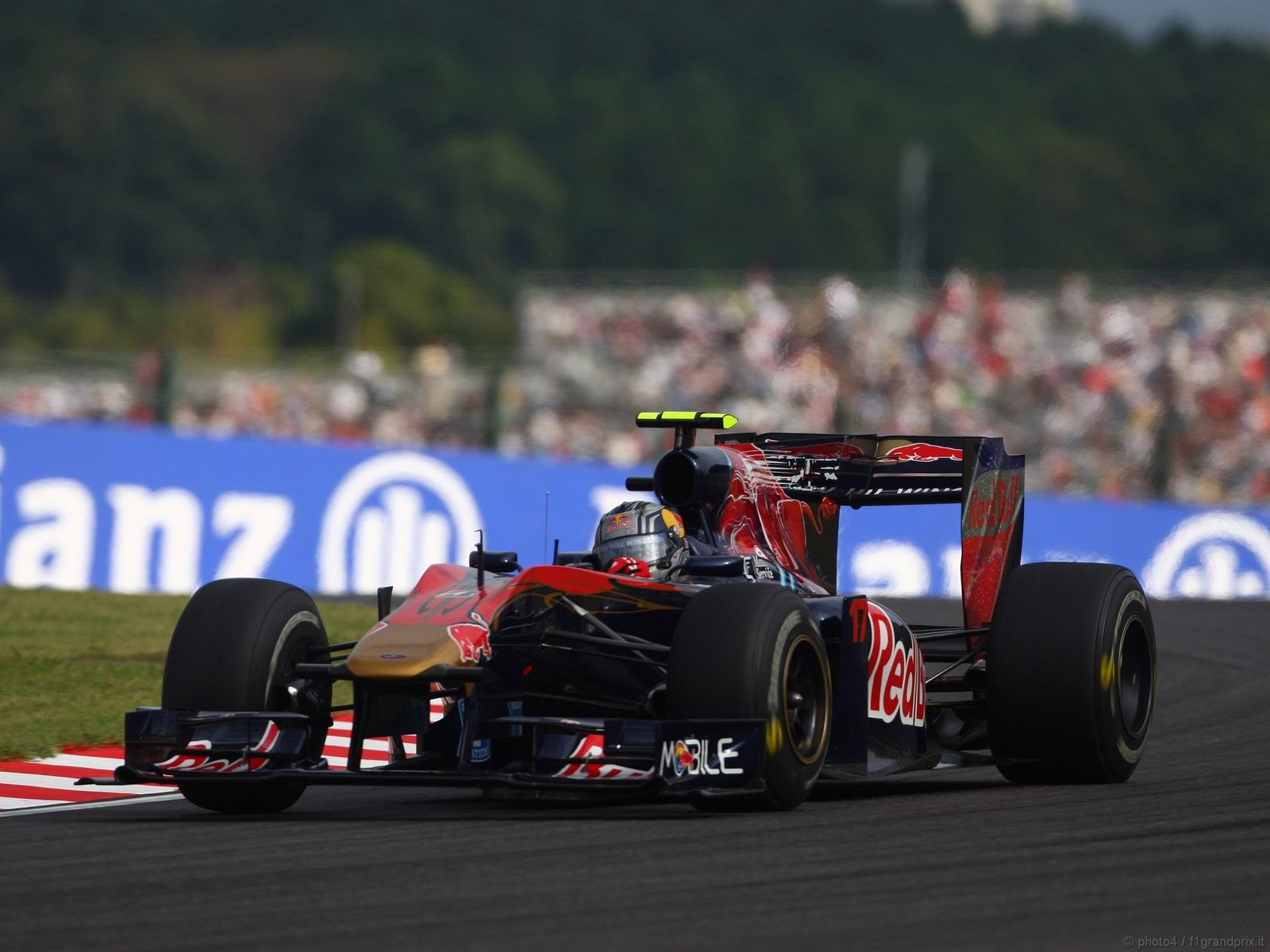 pojazdy - formula1 - gp_giappone_wallpapers_000045