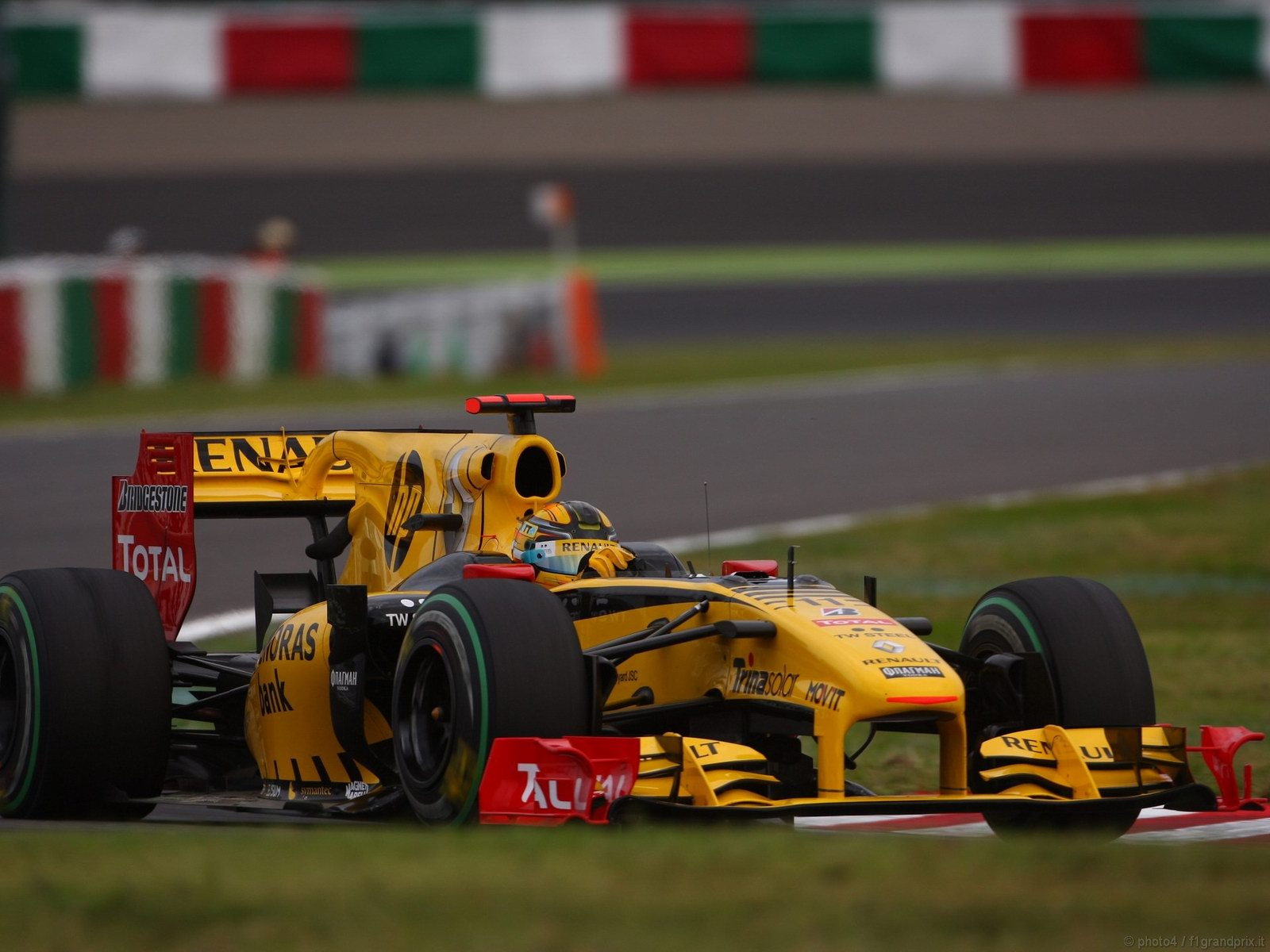 pojazdy - formula1 - gp_giappone_wallpapers_000049