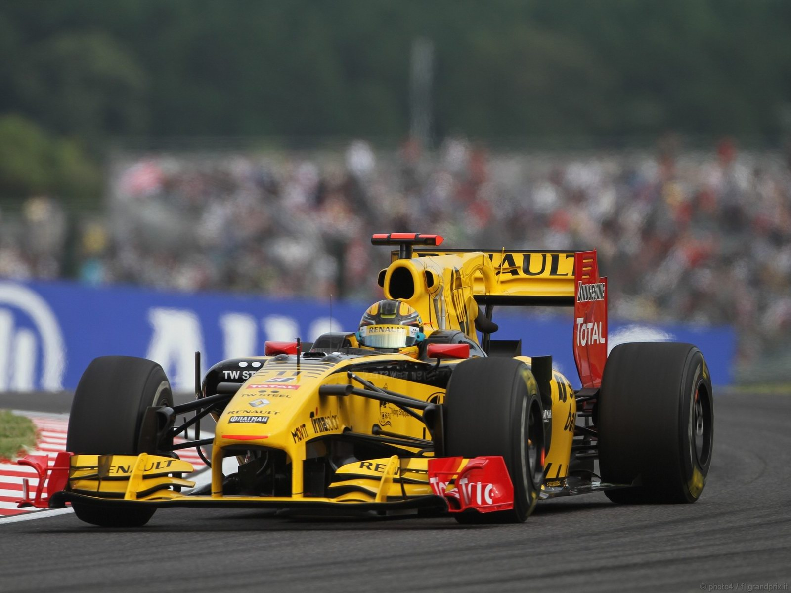 pojazdy - formula1 - gp_giappone_wallpapers_000050