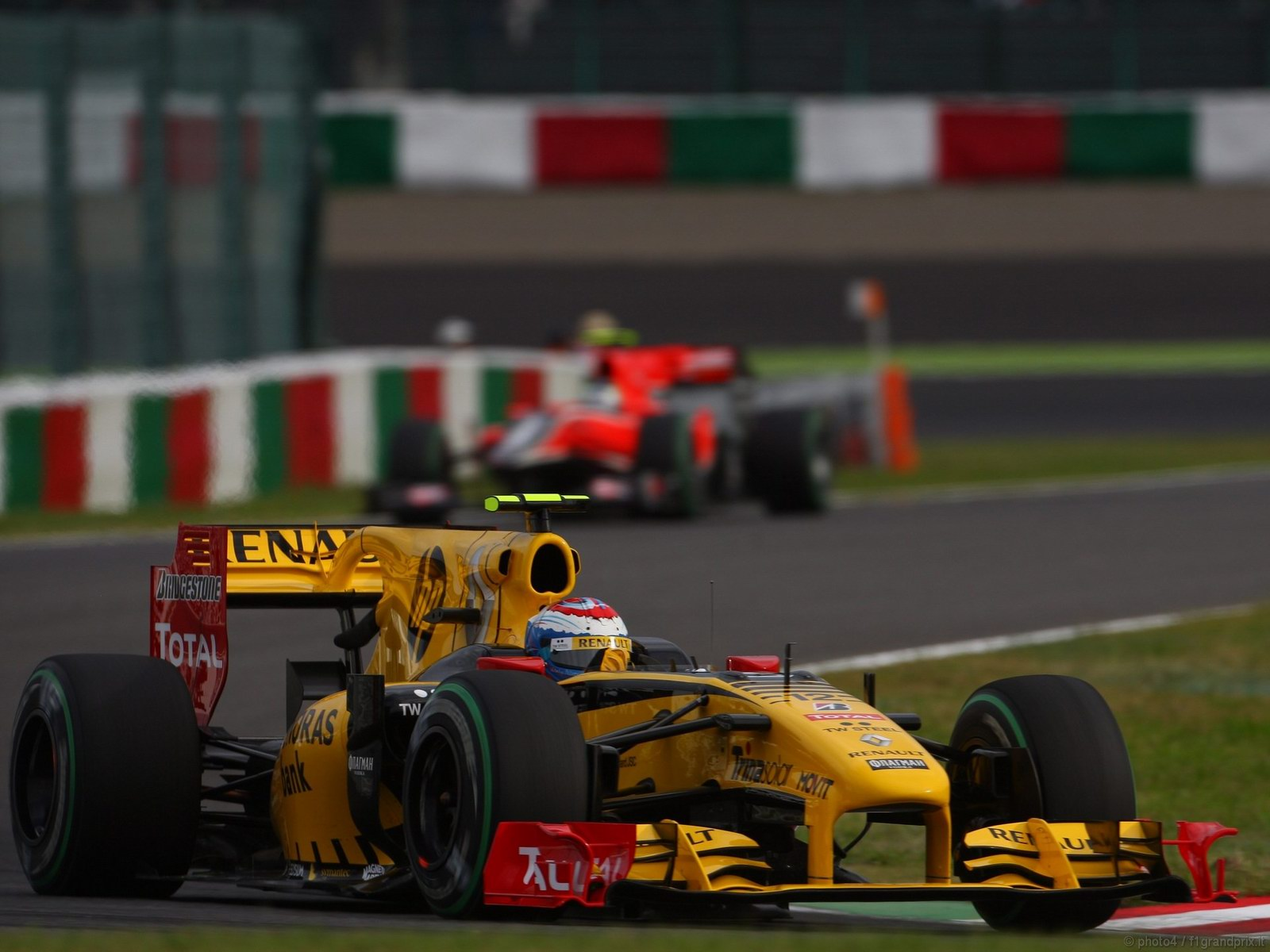 pojazdy - formula1 - gp_giappone_wallpapers_000059