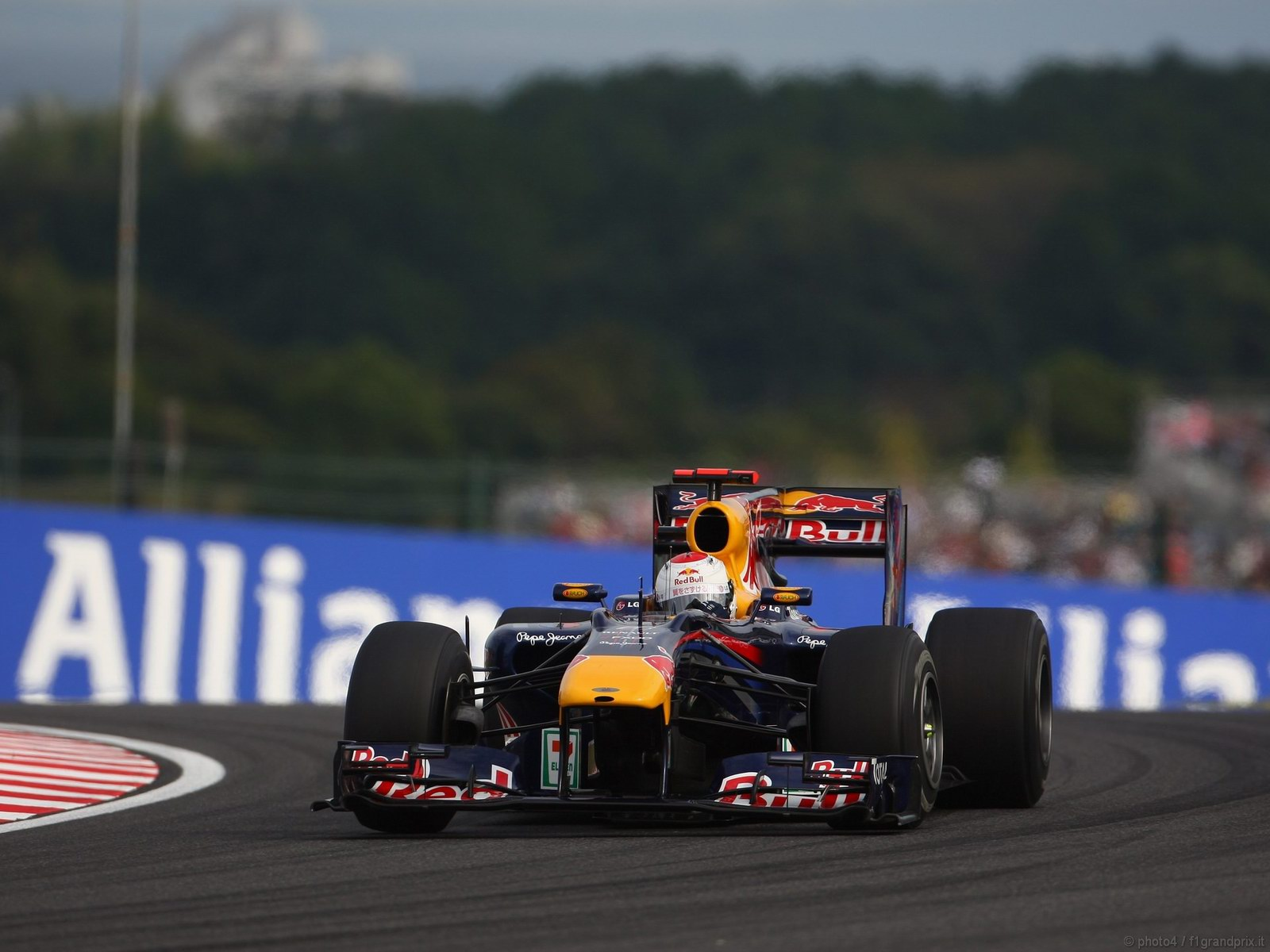 pojazdy - formula1 - gp_giappone_wallpapers_000066