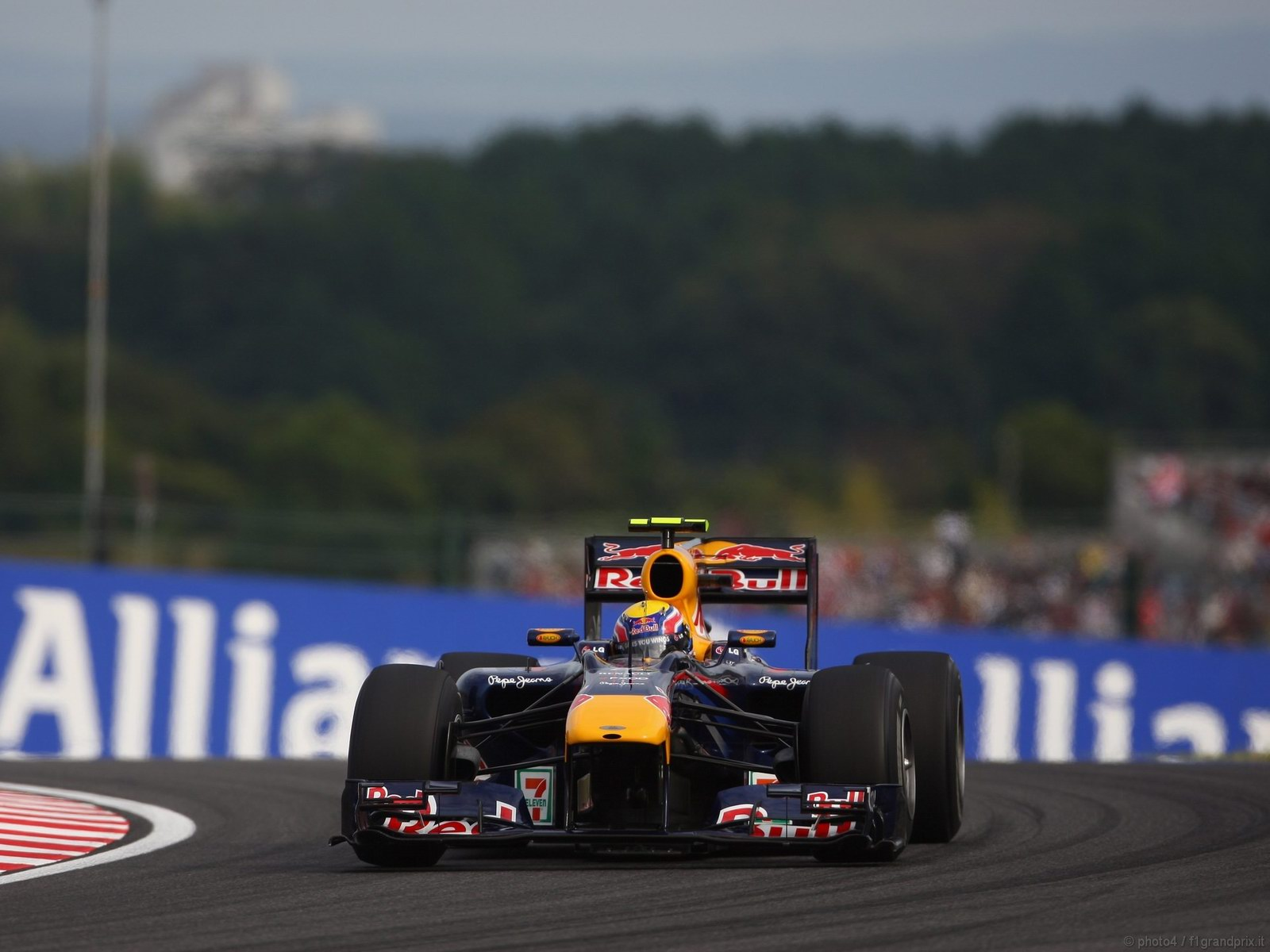 pojazdy - formula1 - gp_giappone_wallpapers_000068