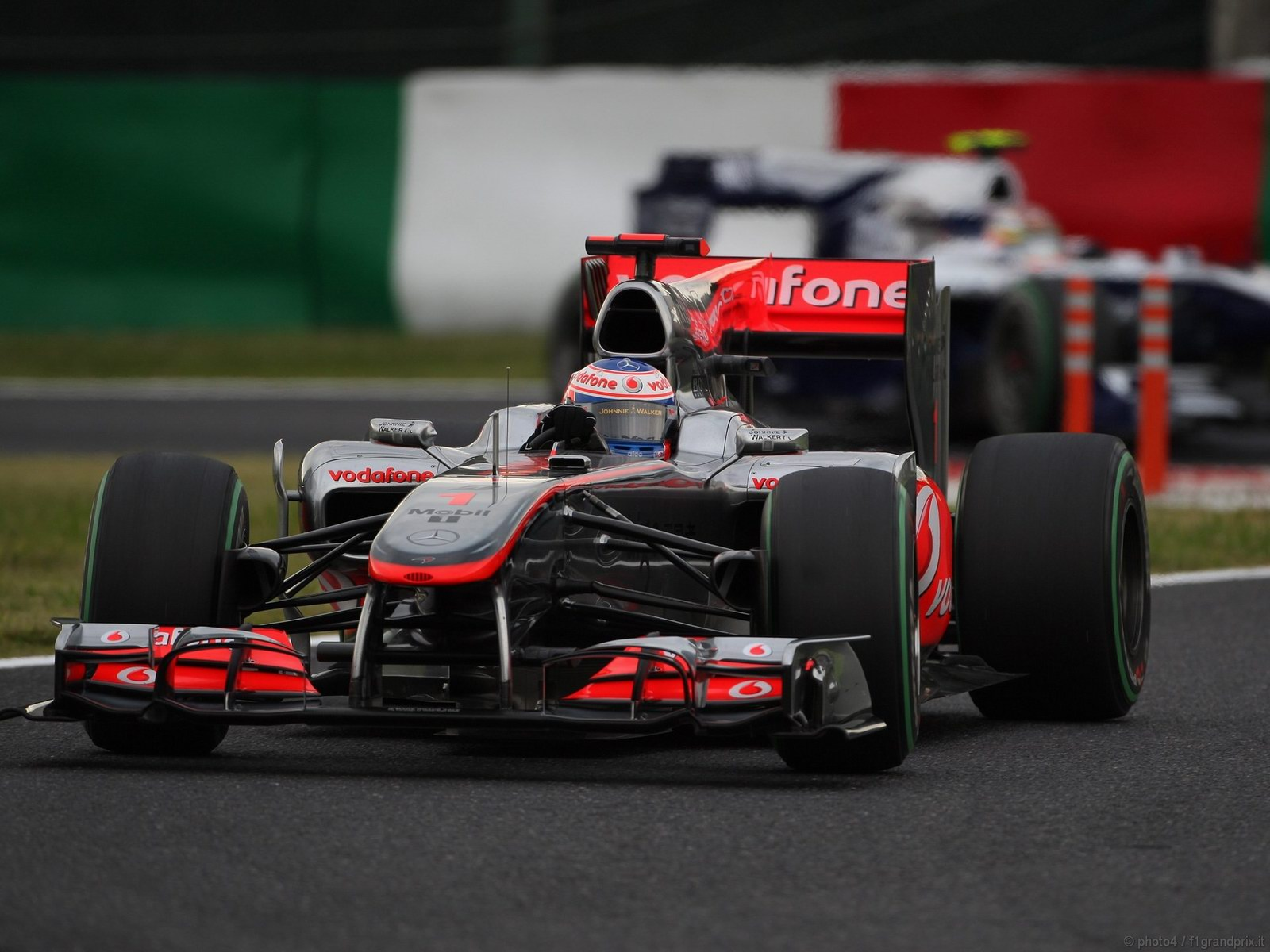 pojazdy - formula1 - gp_giappone_wallpapers_000072