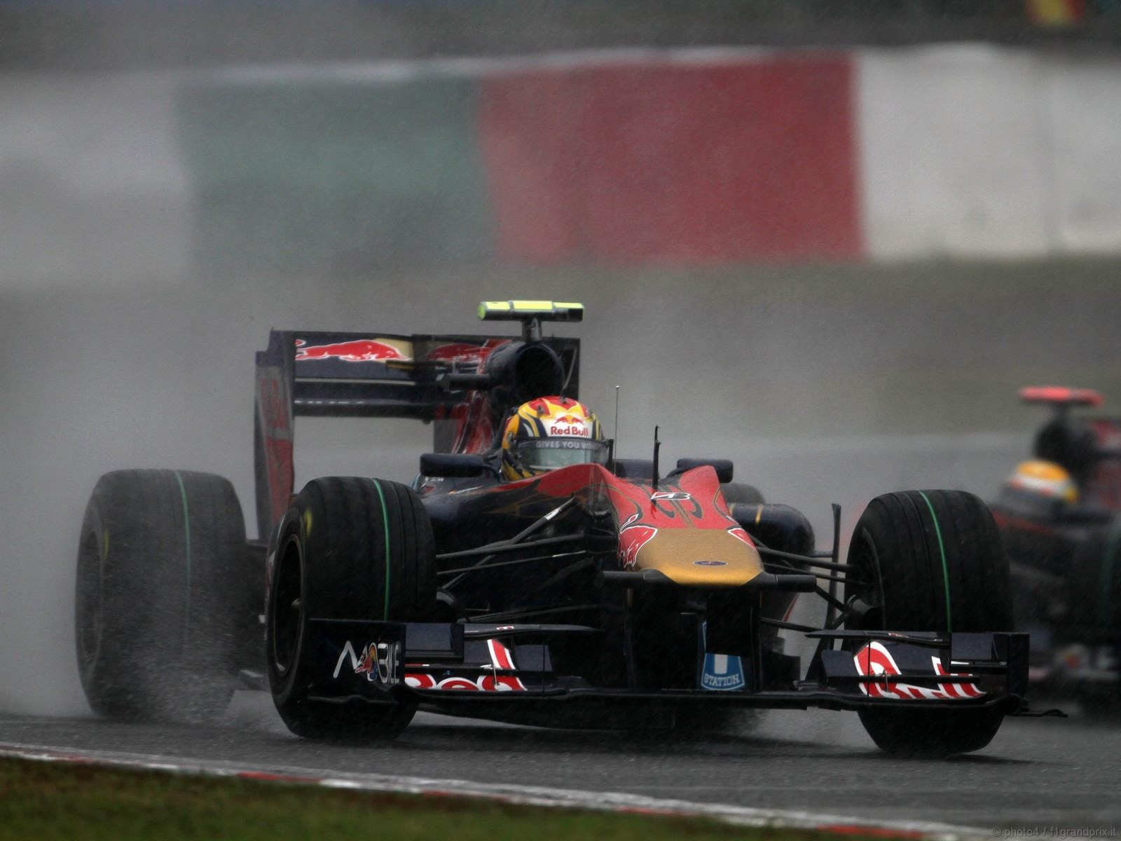 pojazdy - formula1 - gp_giappone_wallpapers_000100