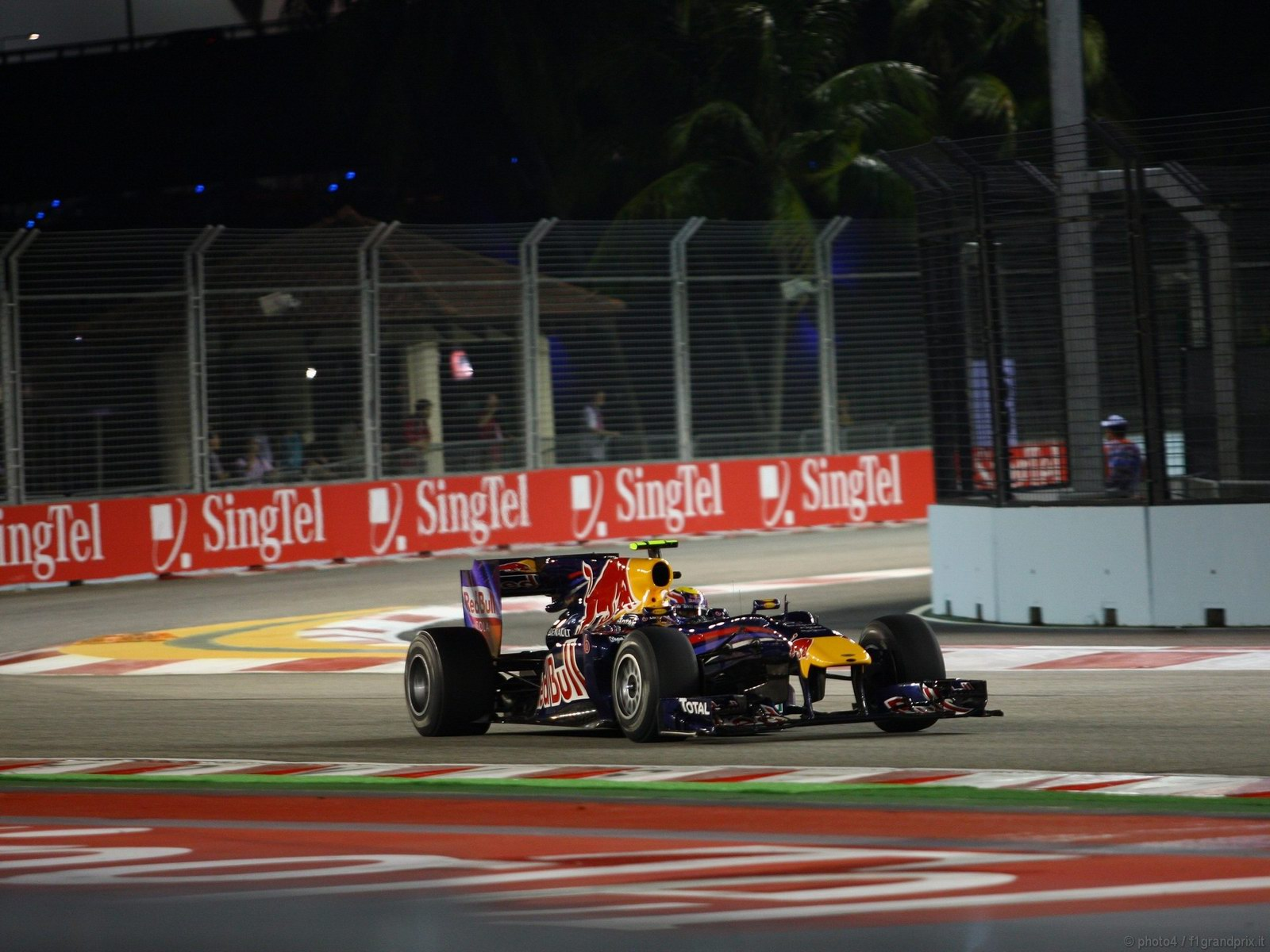 pojazdy - formula1 - gp_singapore_wallpapers_000024