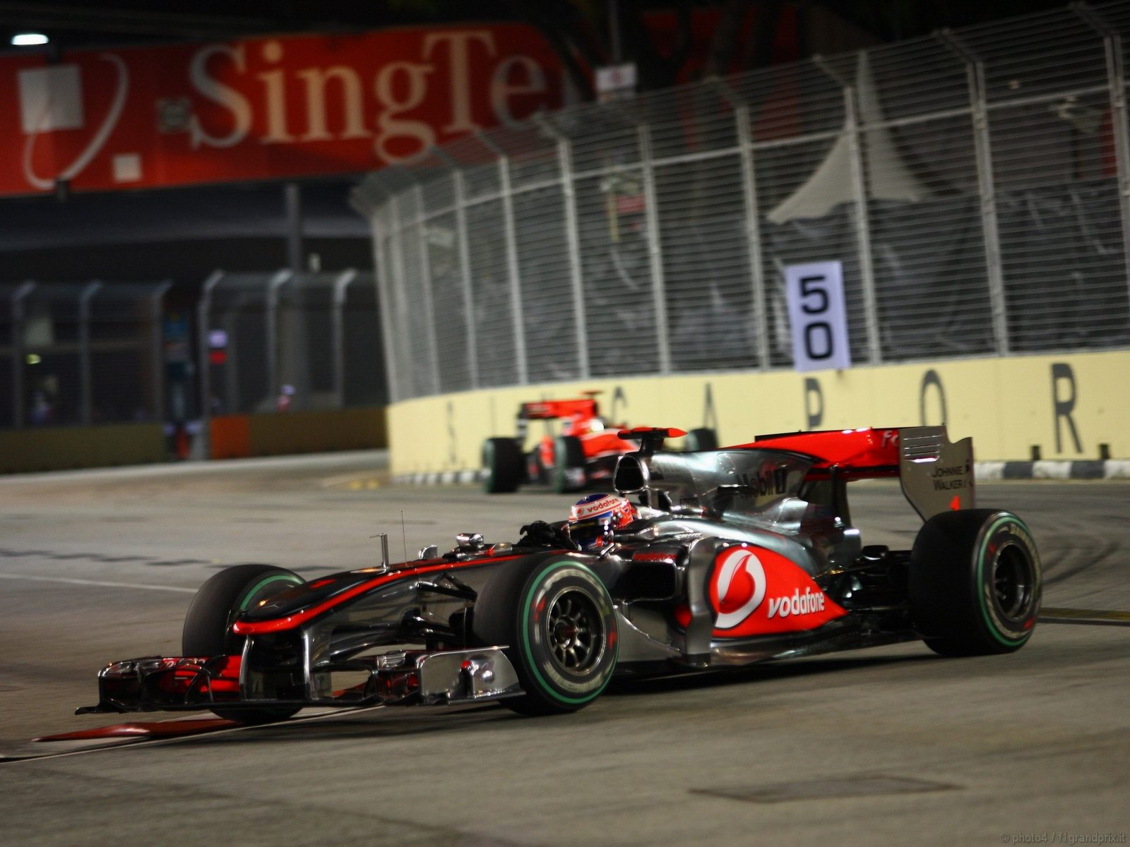 pojazdy - formula1 - gp_singapore_wallpapers_000040