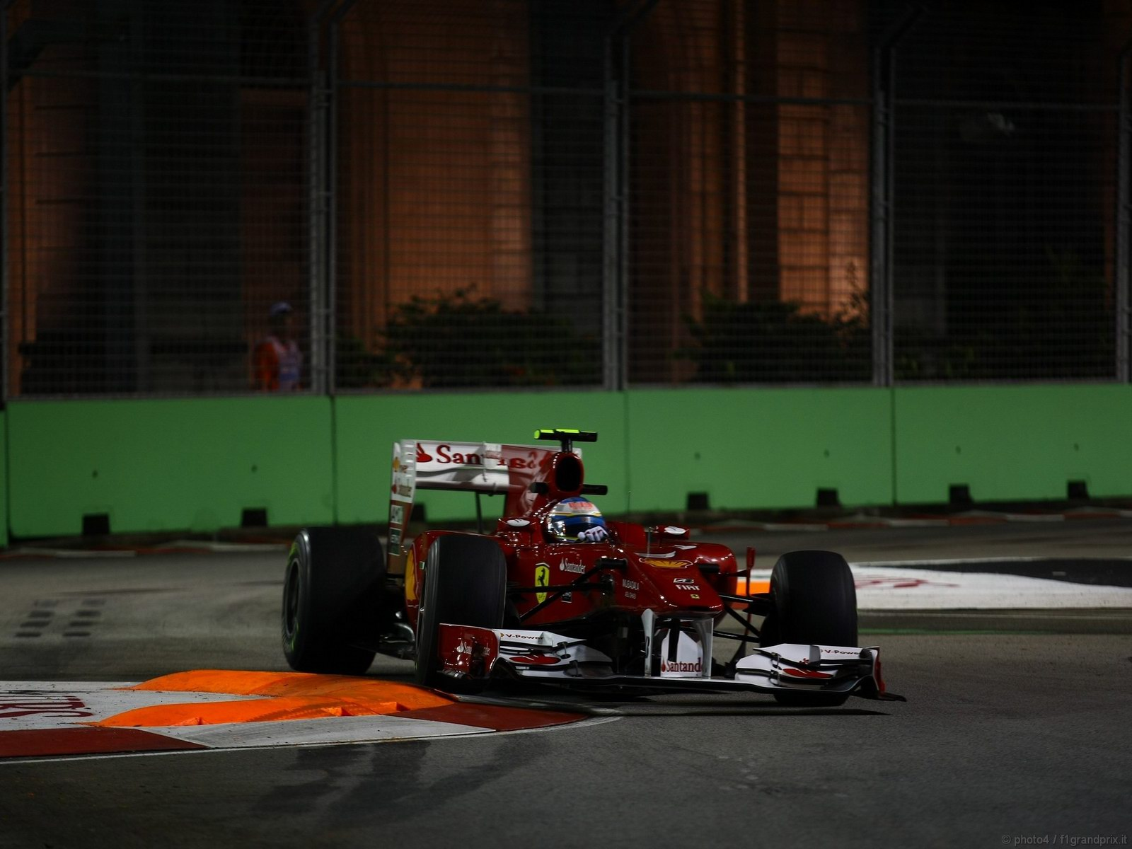 pojazdy - formula1 - gp_singapore_wallpapers_000066