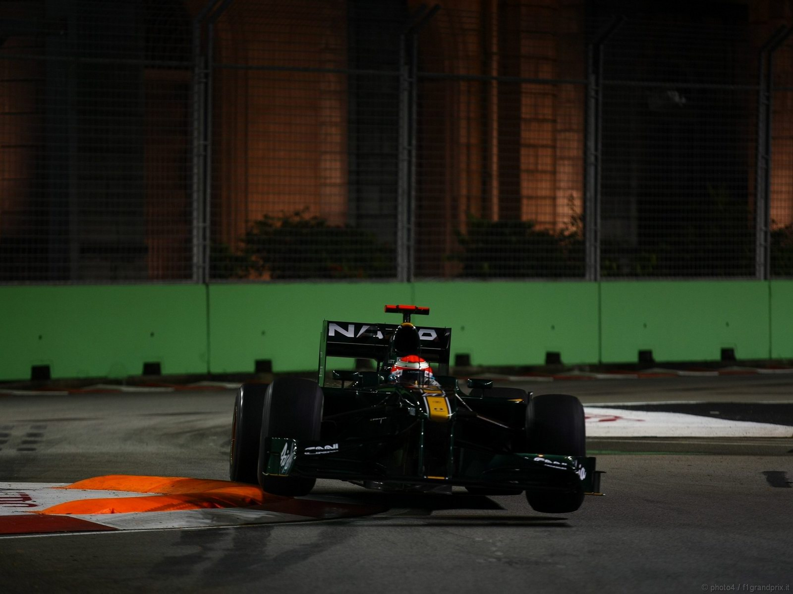 pojazdy - formula1 - gp_singapore_wallpapers_000078