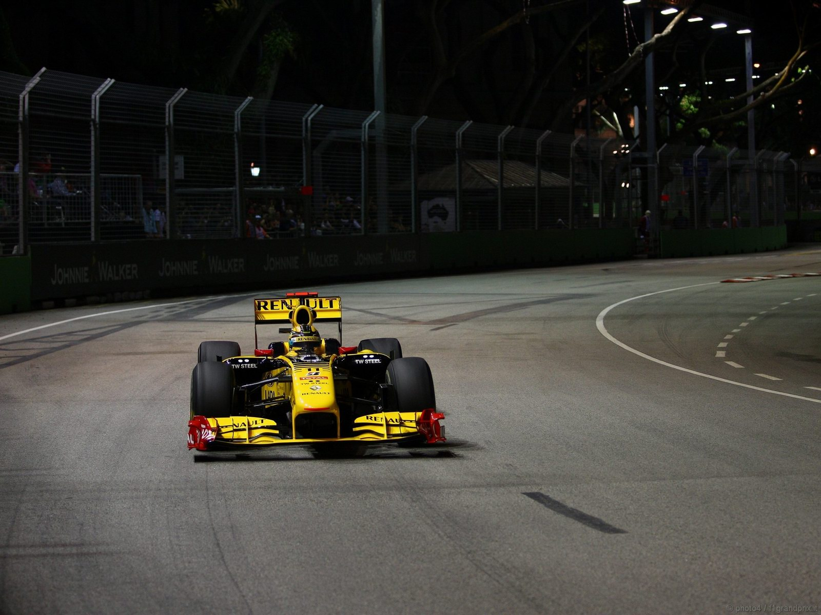 pojazdy - formula1 - gp_singapore_wallpapers_000101