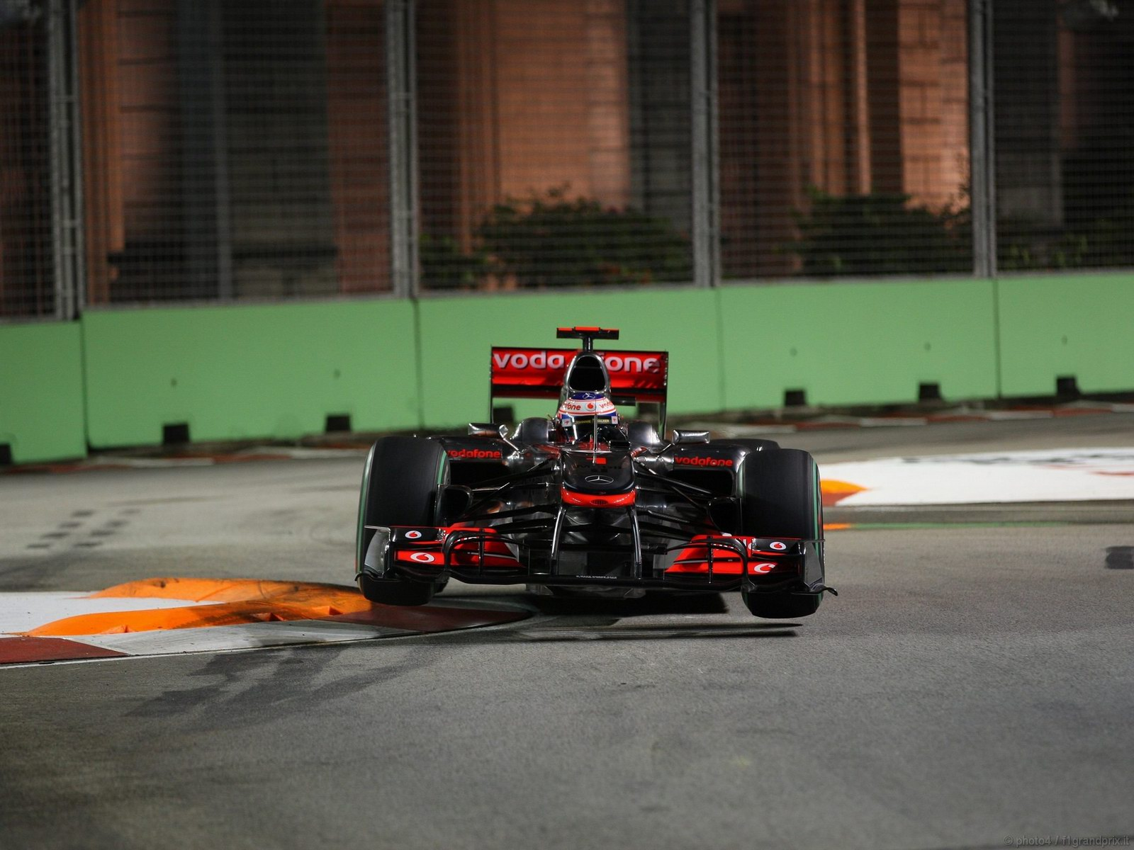 pojazdy - formula1 - gp_singapore_wallpapers_000116