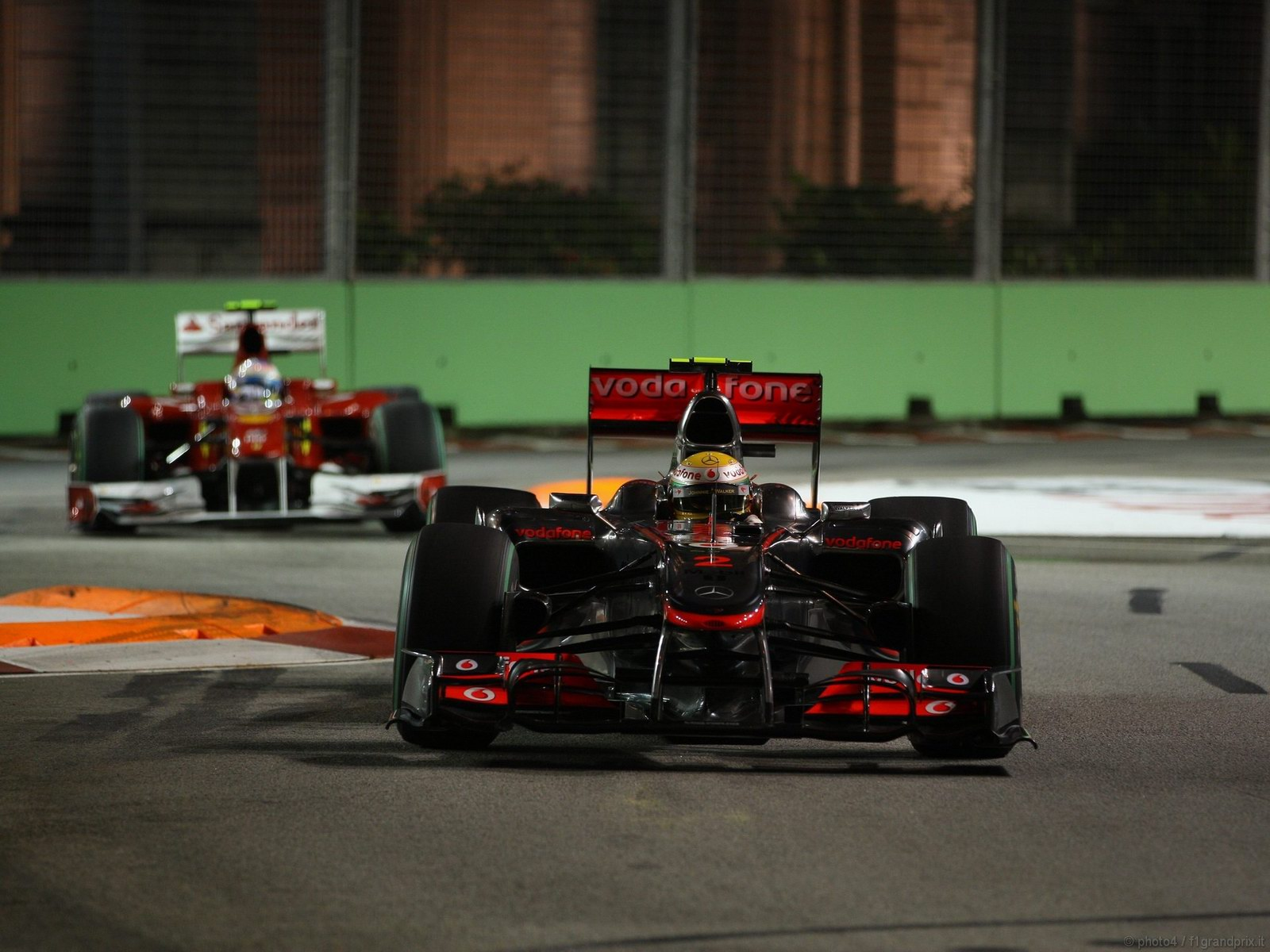 pojazdy - formula1 - gp_singapore_wallpapers_000119